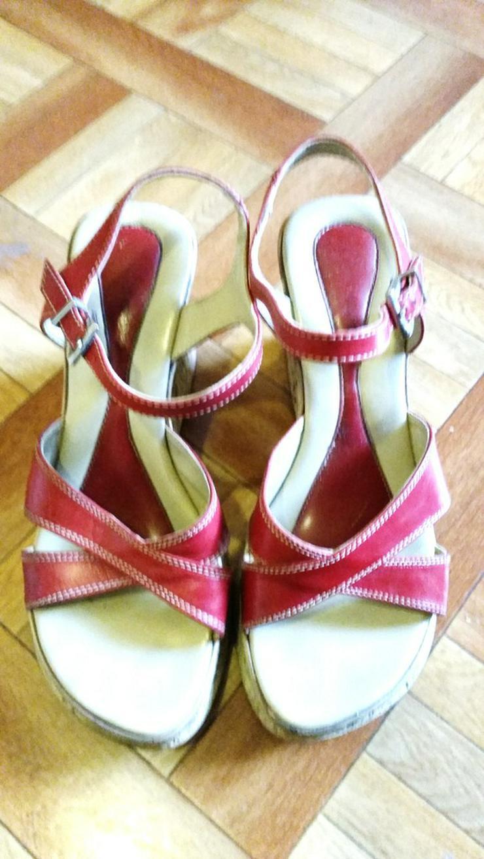 Rote hohe Mädchen Sandalen in Größe 36