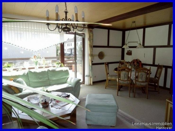 Bild 4: Freistehendes Einfamilienhaus mit großzügigem Garten und Dachterrasse
