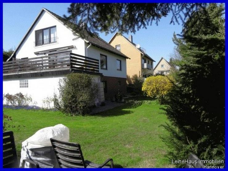 Freistehendes Einfamilienhaus mit großzügigem Garten und Dachterrasse - Haus kaufen - Bild 1