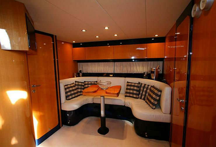 Bild 2: Italienische Luxus-Yacht