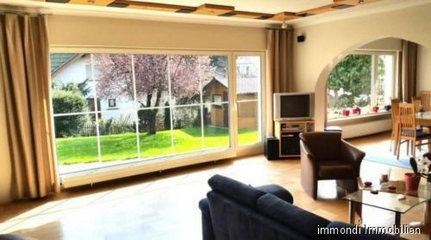 **Nur 3,29% Provision**Freistehenden Einfamilienhaus mit Einliegerwohnung in Menden** - Haus kaufen - Bild 1