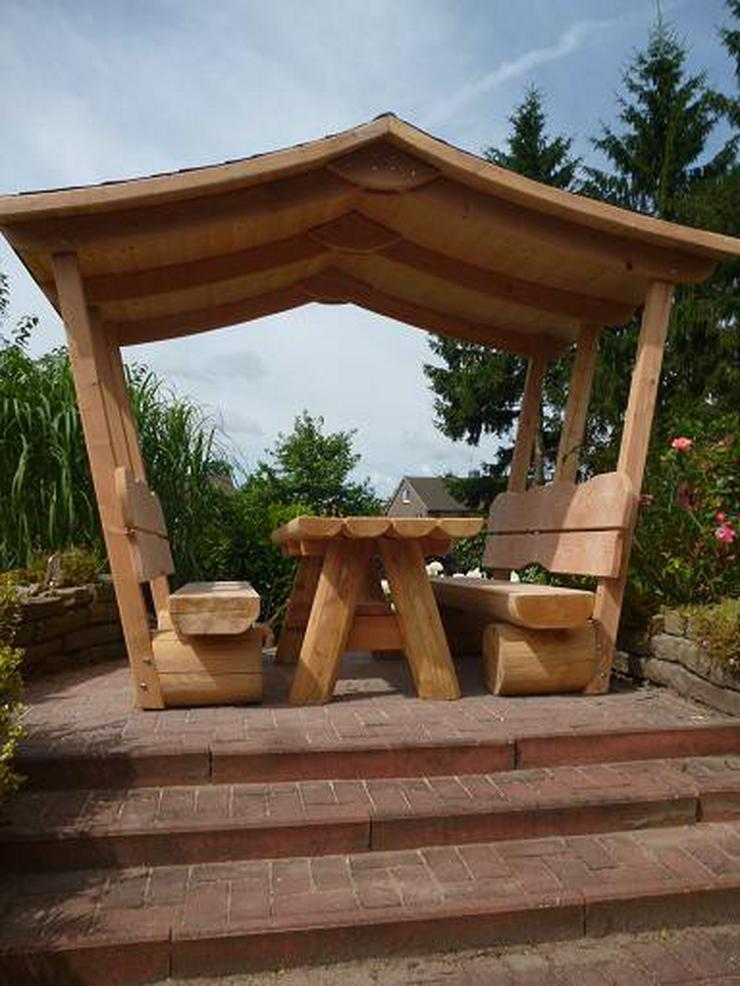 Bild 2: Gartenmöbel mit Dach.Holzmöbel. Terrassenmöbel.