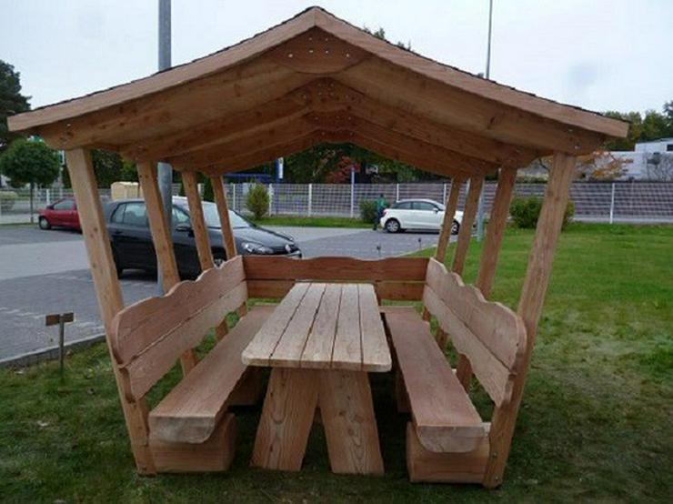 Bild 4: Gartenmöbel mit Dach.Holzmöbel. Terrassenmöbel.