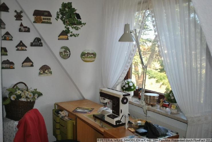 Bild 6: CHARMANTES kleines HAUS mit geschütztem Hofgrundstück und Statteldach-GARAGE