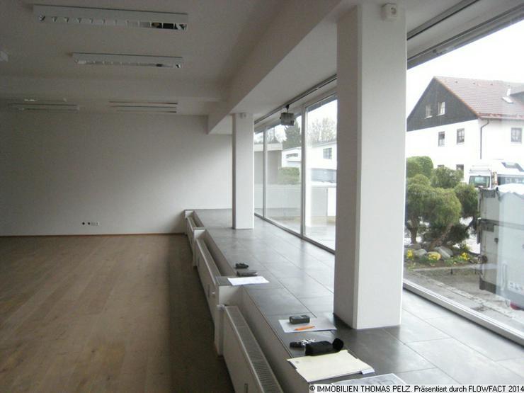 Bild 3: Büro - Laden - Ausstellung mit Glasfront