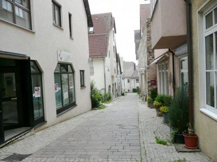 Ladenlokal/Büro mit Schaufenster in der Leonberger Altstadt, ca. 72 qm - Gewerbeimmobilie kaufen - Bild 1