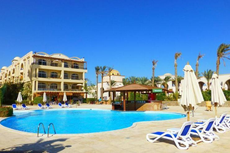 Ferienwohnung direkt am Strand mit Pool