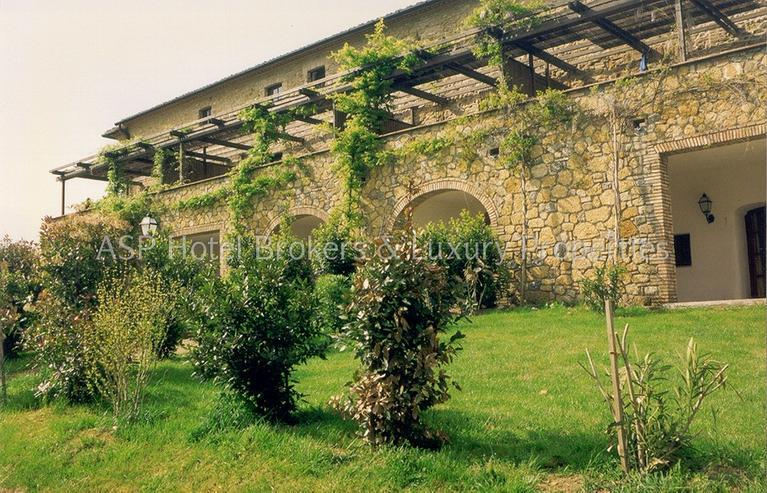 Bild 3: Romantisches imposantes Herrenhaus Anwesen in der Region Volterra mit Suiten und Zimmern z...