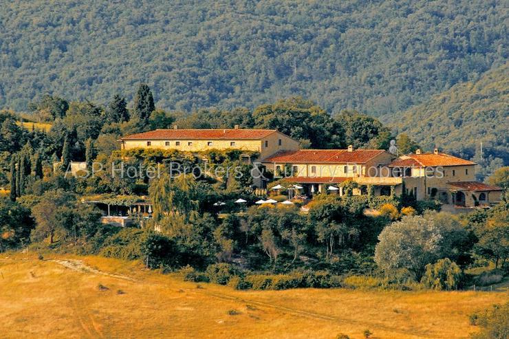 Bild 2: Romantisches imposantes Herrenhaus Hügel Anwesen bei Volterra mit Suiten und Zimmern zu k...