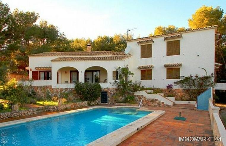 Großzügige Landhaus-Villa im Finca-Stil mit Meerblick - Haus kaufen - Bild 1