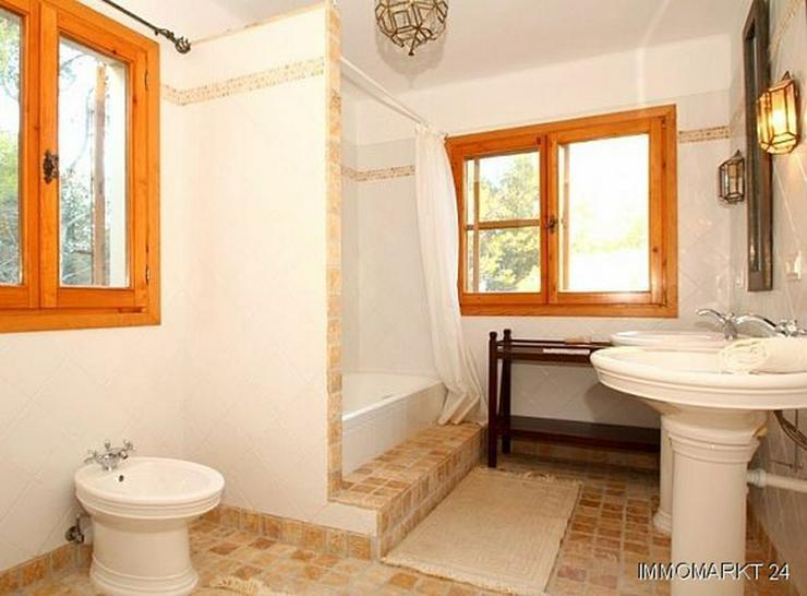 Bild 5: Großzügige Landhaus-Villa im Finca-Stil mit Meerblick