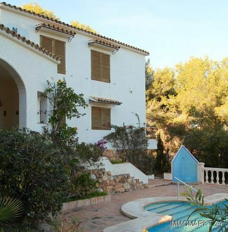 Bild 3: Großzügige Landhaus-Villa im Finca-Stil mit Meerblick