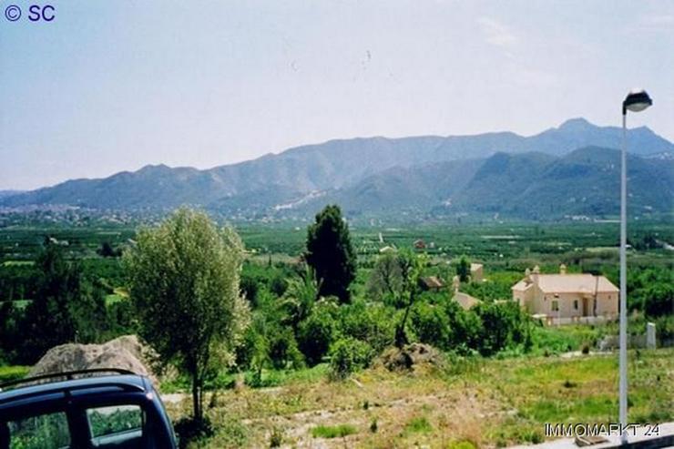 Bild 2: Grundstück in Beniarbeig