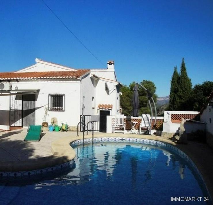 Bild 6: Villa mit Pool in ruhiger Lage