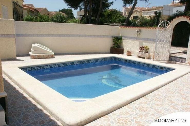 Bild 2: Villa mit Pool und sehr schönem Ausblick