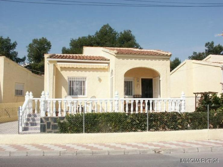 Villa mit Pool und sehr schönem Ausblick - Haus kaufen - Bild 1