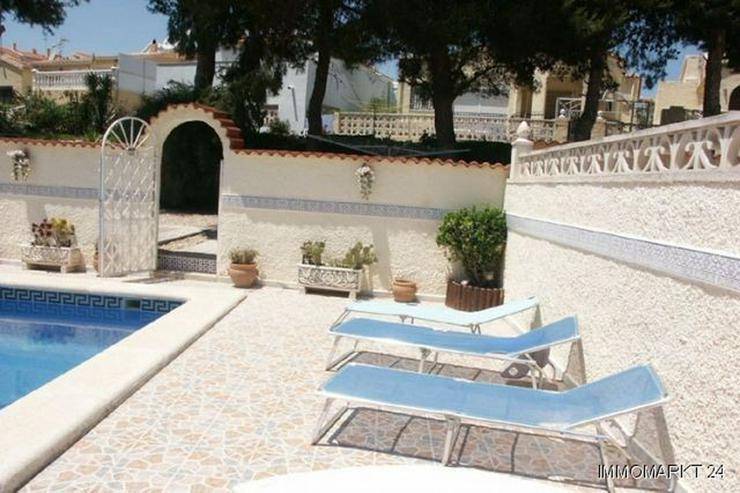 Bild 3: Villa mit Pool und sehr schönem Ausblick