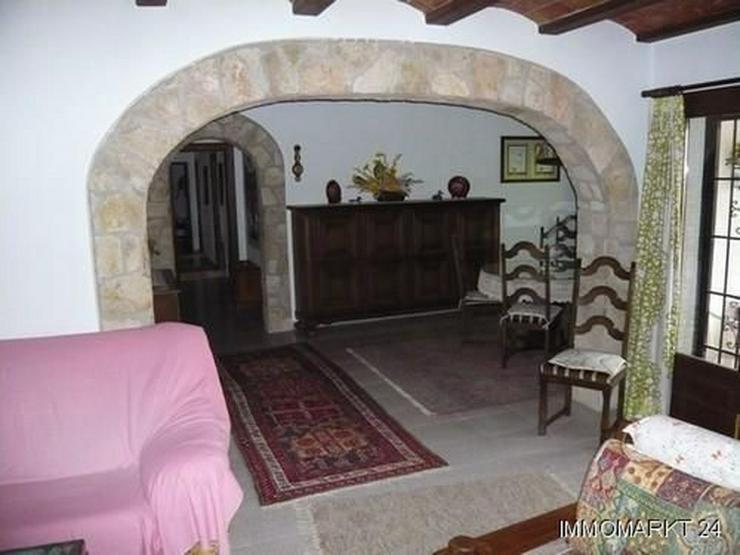 Bild 12: Rustikales Haus in Pedrera