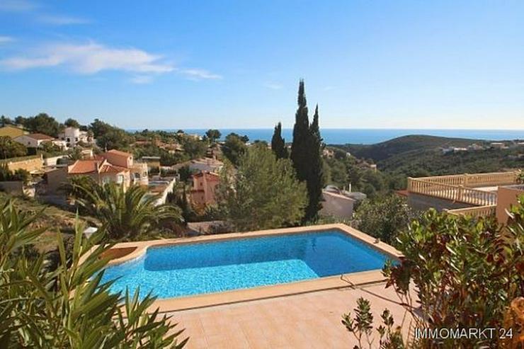 Villa mit 2 Gästeappartements und phantastischem Meerblick - Bild 1