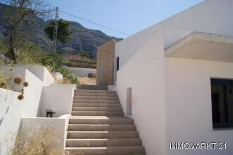 Bild 5: Villa im Ibiza-Stil mit Meerblick