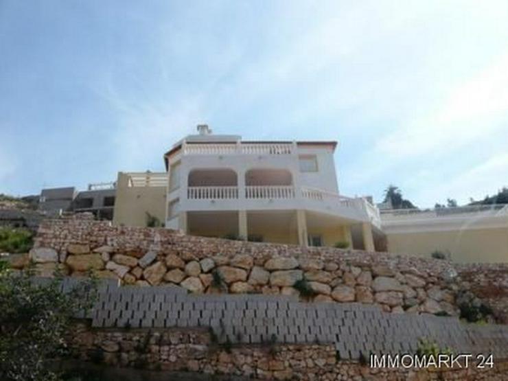 Villa mit traumhaftem Ausblick in Marquesa VI - Bild 1