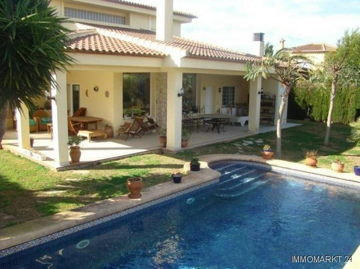 Komfortable Villa mit Pool - Haus kaufen - Bild 1