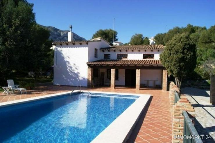 Exklusive Villa mit sehr schönem Ausblick - Haus kaufen - Bild 1