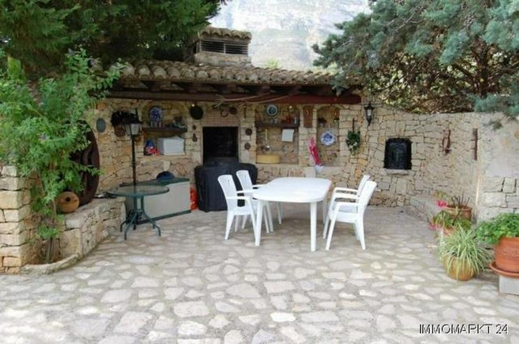 Bild 6: Wunderschöne Villa nach Entwurf eines Künstlers