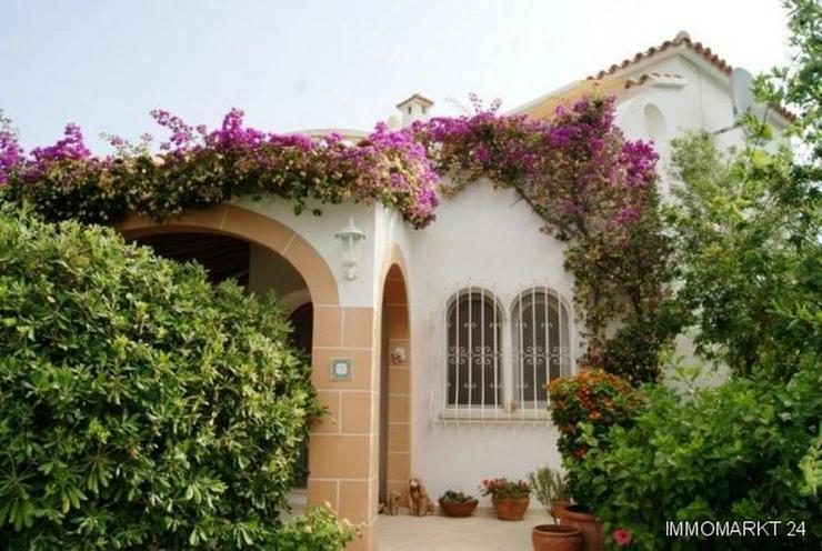 Villa mit Panoramablick - Bild 1