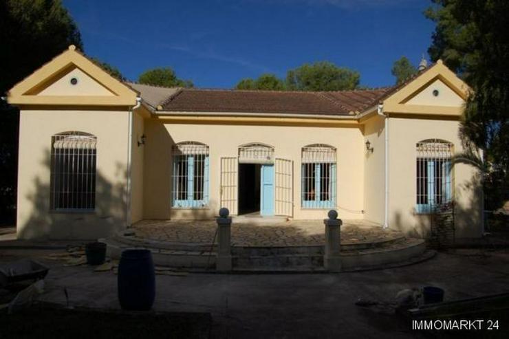 Villa mit 6 Grundstücken - Haus kaufen - Bild 1