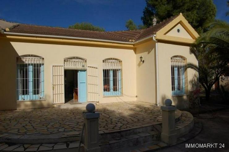 Bild 4: Villa mit 6 Grundstücken