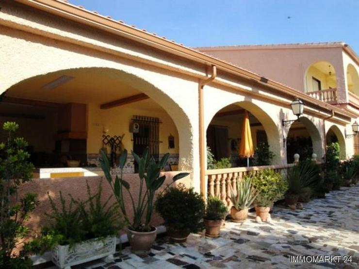 Bild 2: Wohnhaus für eine große Familie, auch geeignet für Pension oder Hotel Garni