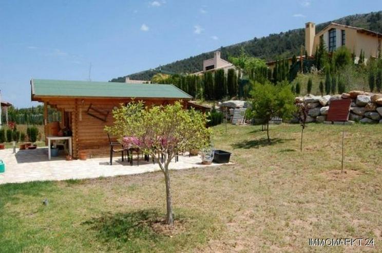 Bild 2: Moderne Villa mit Pool