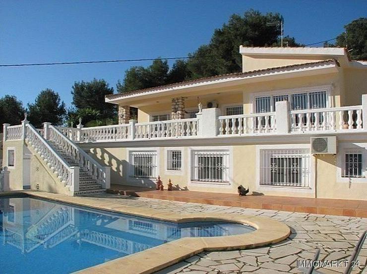 Villa mit zwei Gästeappartements in Strandnähe - Haus kaufen - Bild 1