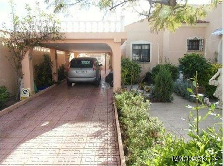 Bild 4: Große ebenerdige Villa mit Privatpool