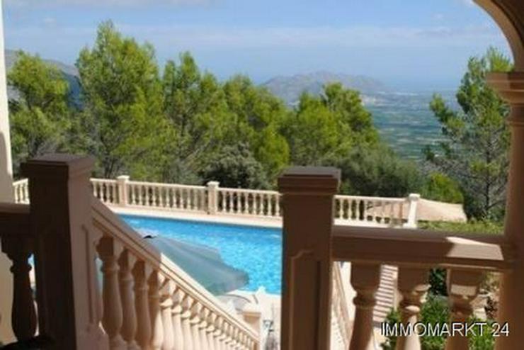 Bild 2: Landhaus-Villa mit phantastischem Ausblick
