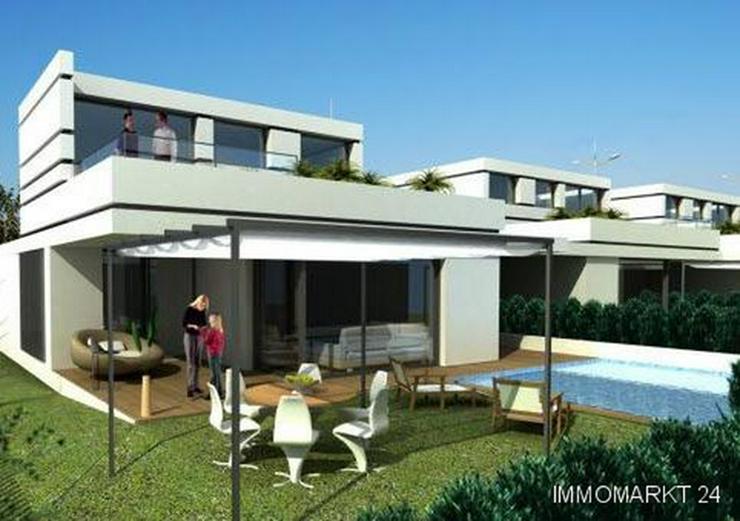 Villen in innovativem Design mit Privatpool und Garage - Haus kaufen - Bild 1