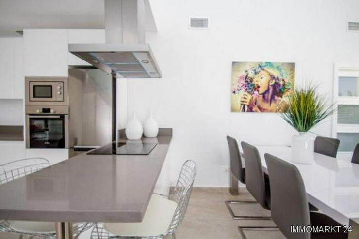 Bild 6: Villen in innovativem Design mit Privatpool und Garage