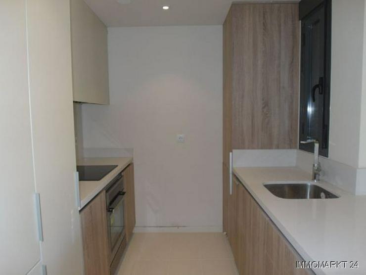 Bild 7: Moderne Penthouse-Wohnungen mit Gemeinschaftspool