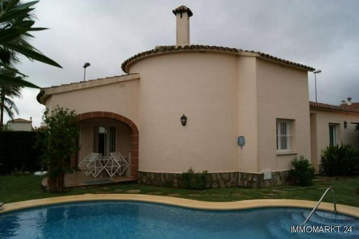 Villa mit Pool in Strandnähe - Haus kaufen - Bild 1