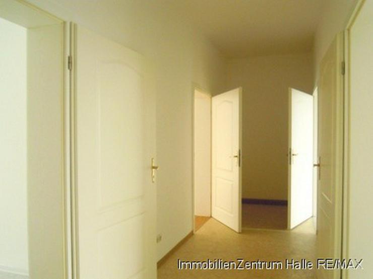 ideal f r pendler und wg s g nstige 3 raum wohnung in bahnhofsn he in halle auf. Black Bedroom Furniture Sets. Home Design Ideas
