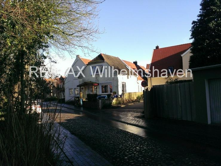 Bild 2: RE/MAX Wilhelmshaven bietet an:1-2 Familienhaus in der Altstadt Jever !