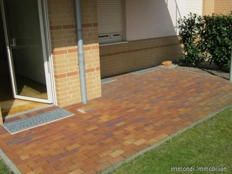 **Exklusive 2 Zimmer Whg. mit Terrasse und Stellplatz** - Wohnung kaufen - Bild 1