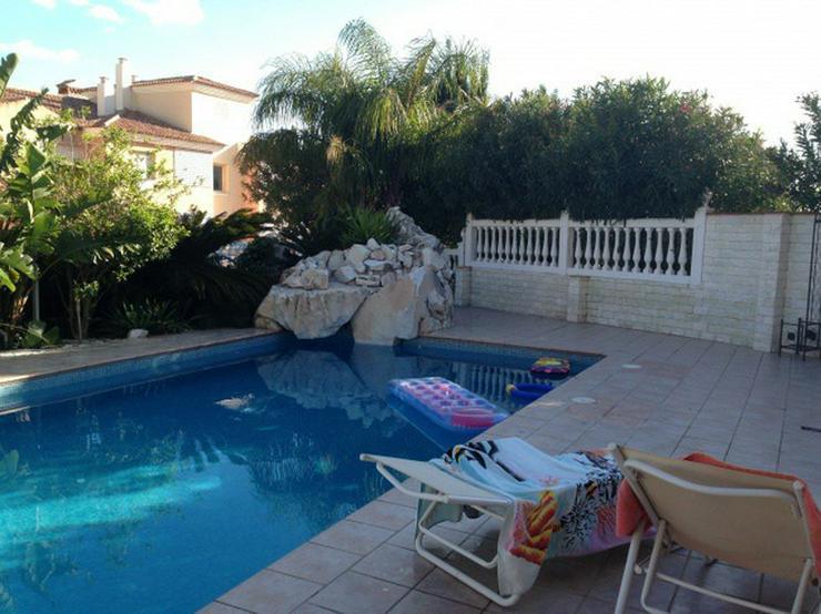 Bild 2: Spanien Malaga++Villa mit ca. 300 qm Wohnfläche++Luxus-Ausstattung