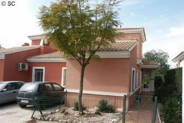 Doppelhaushälfte am Golfplatz von Bonalba - Haus kaufen - Bild 1