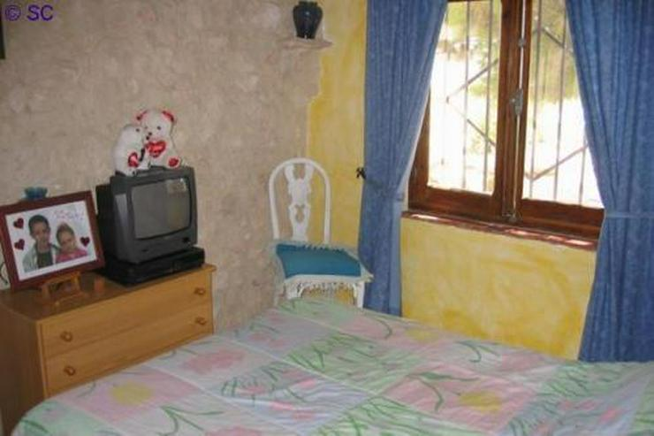 Finca mit Gästeappartement mitten im Weinanbaugebiet - Haus kaufen - Bild 1