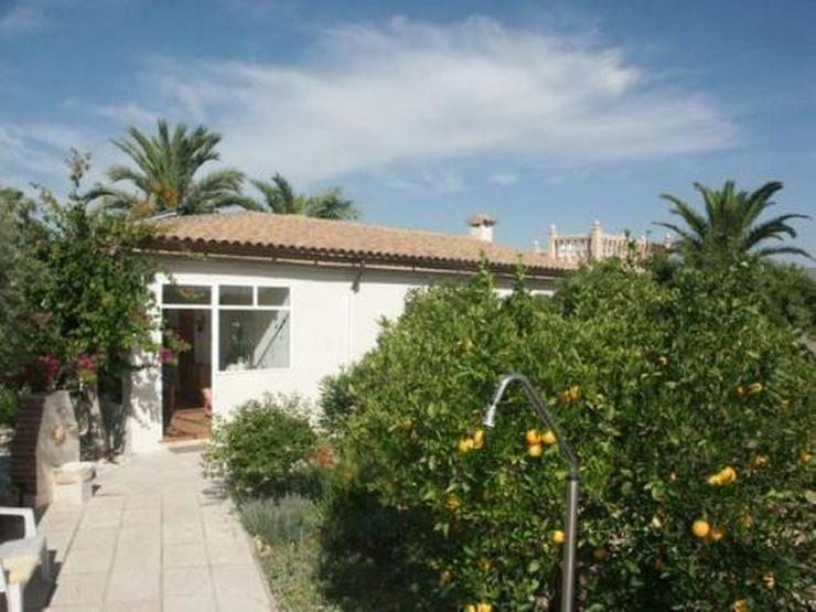 Bild 2: Landhaus-Villa mit Pool und phantastischem Ausblick