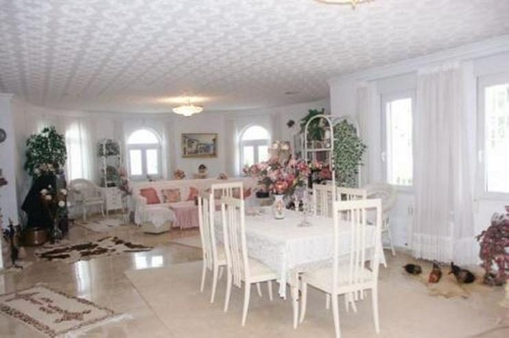 Bild 3: Exklusive Villa mit Gästeappartement und Pool