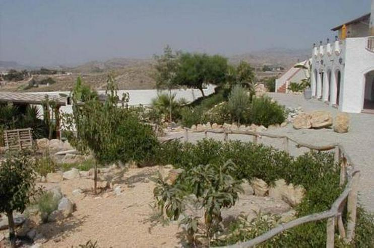 Bild 3: Villa mit 4 Ferienappartements