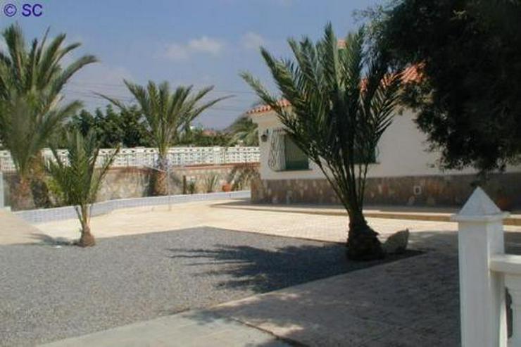 Bild 8: Exklusive Villa mit Pool, Poolhaus und Garage